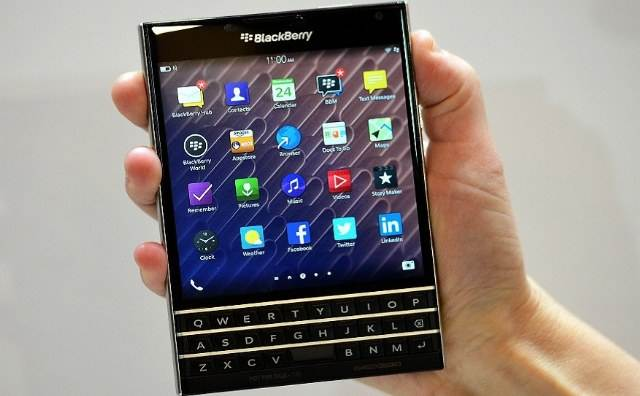 nama garansi resmi blackberry indonesia - image